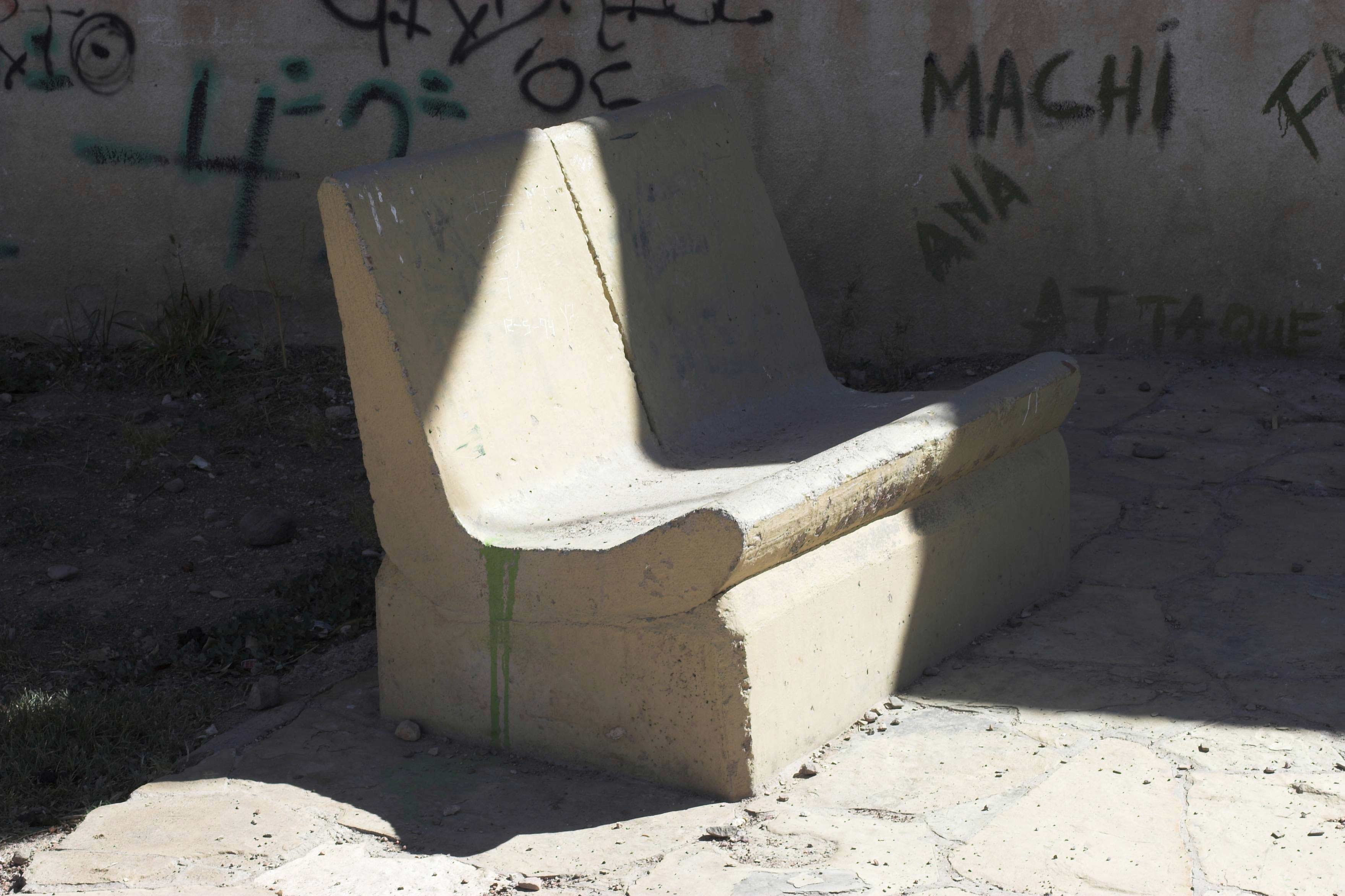 betonbank.jpg